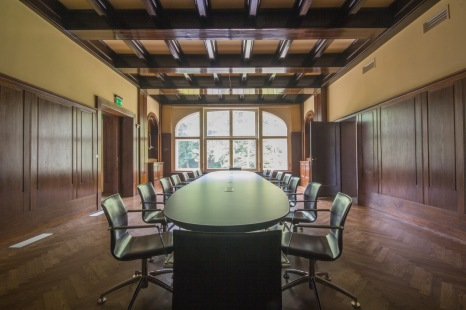 Staro-nowa sala konferencyjna