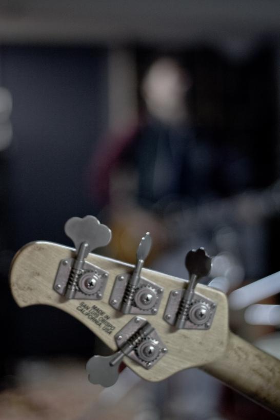 Bas i gitara